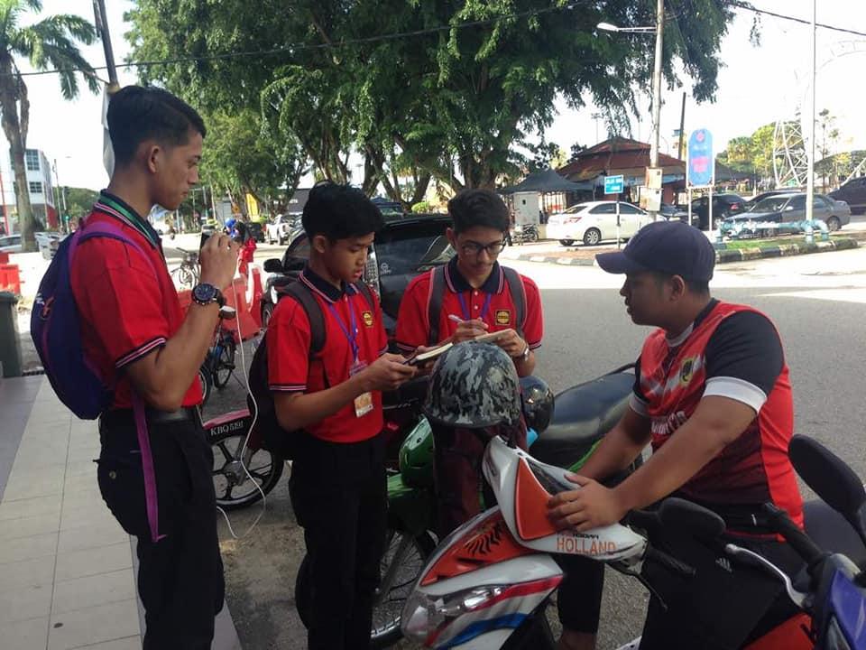 Gilap Komunikasi Dengan 'Town Trekking'