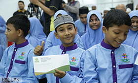 Rohingya Children Pleased Learning Quran