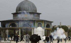 Puluhan Tercedera Di Masjid al-Aqsa