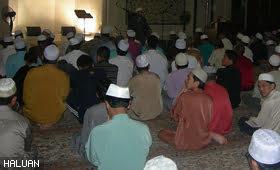 Ramadhan Bersama Huffaz : Sentuhan Arab Terawih Di Malaysia
