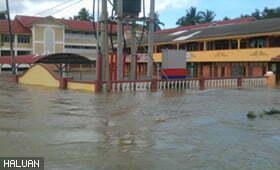 HALUAN Kelantan Tinjau Dan Rawat Mangsa Banjir