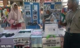 Pameran dan Jualan Amal HALUAN Palestin di USM Menarik Perhatian Pengunjung FesKI 2012