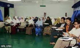 48 Ahli HALUANSISWA Hadiri Training of Trainers Kem Komanden Siri 1