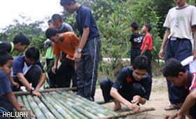 Kem Minda Kreatif Wilayah Tengah Menyuntik Perubahan Kepada Remaja