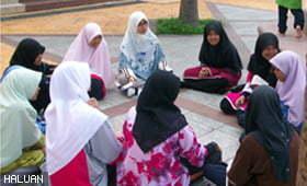 HALUANITA Dan Masjid Putra Jayakan Kem Pesona Remaja Puteri