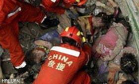 Relawan-relawan Selamat Berlepas ke China