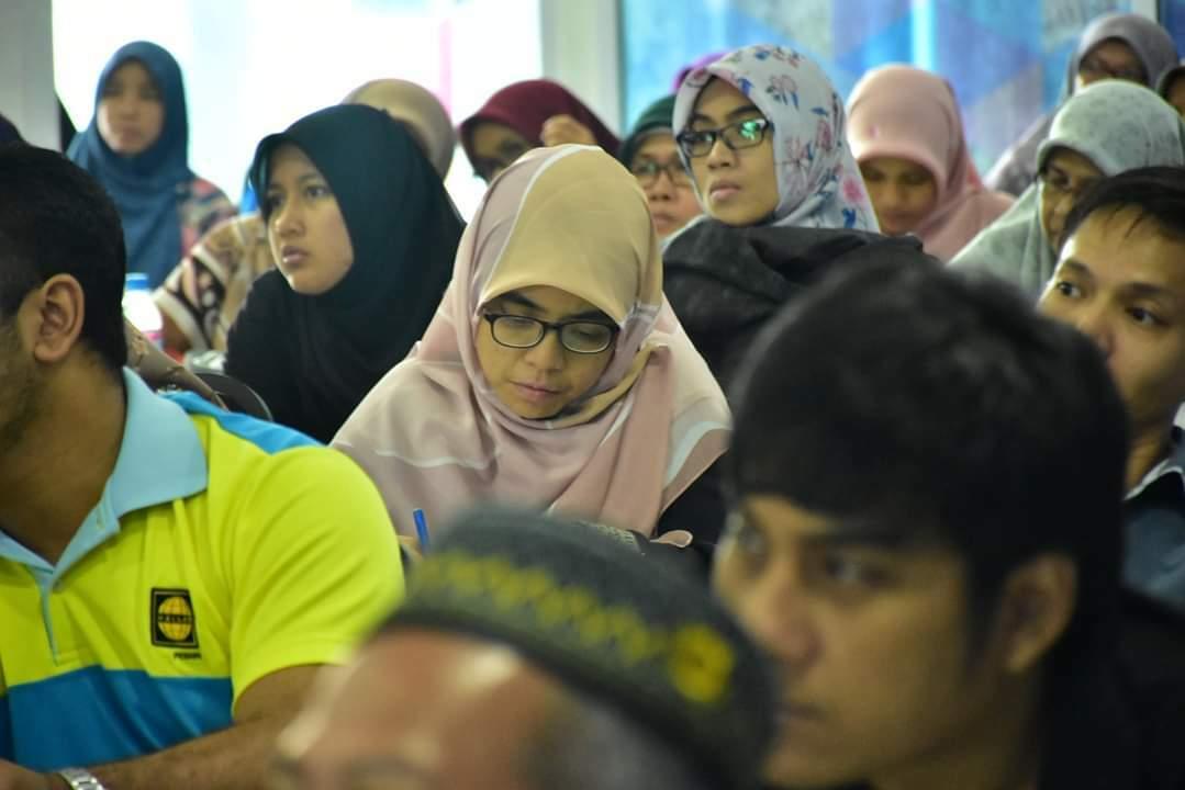 100 Hadiri Seminar Persediaan Berumah Tangga & Keibubapaan
